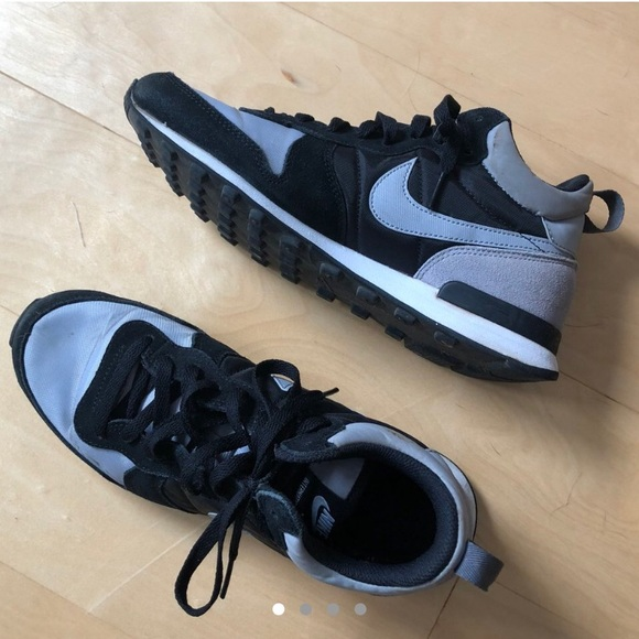 6e9ac1da67e Nike Internationalist Mid (Grey Black). M 5bbcf3f5035cf17d6825c40f